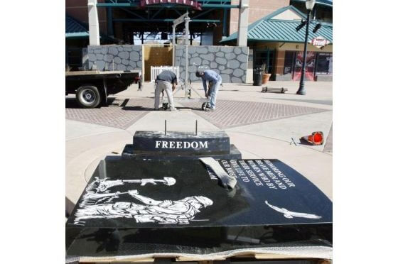 Lake Elsinore Veterans memorial Sun city granite california